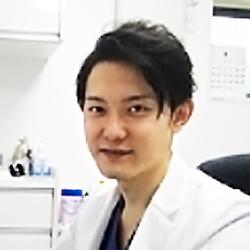 院長 内田佳孝